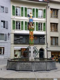 Horloge animée et fontaine de la justice sur la Place de La Palud
