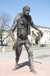 statue frankenstein geneve_light