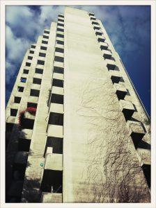Triemli Tower. Façade et balcons.