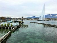 Les Bains des Pâquis, Genève, jet d'eau