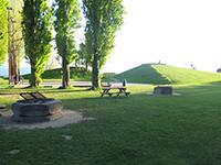 Pyramides de Vidy, Lausanne. Piste de pétanque