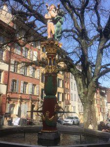 Fontaine de l'Ange et le marronnier