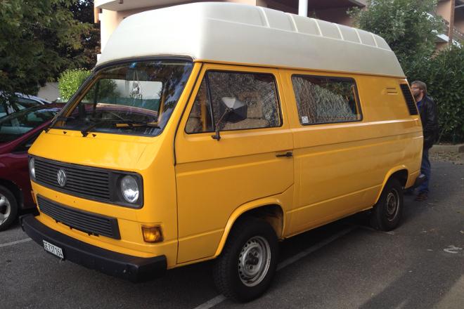 Le bus postal jaune